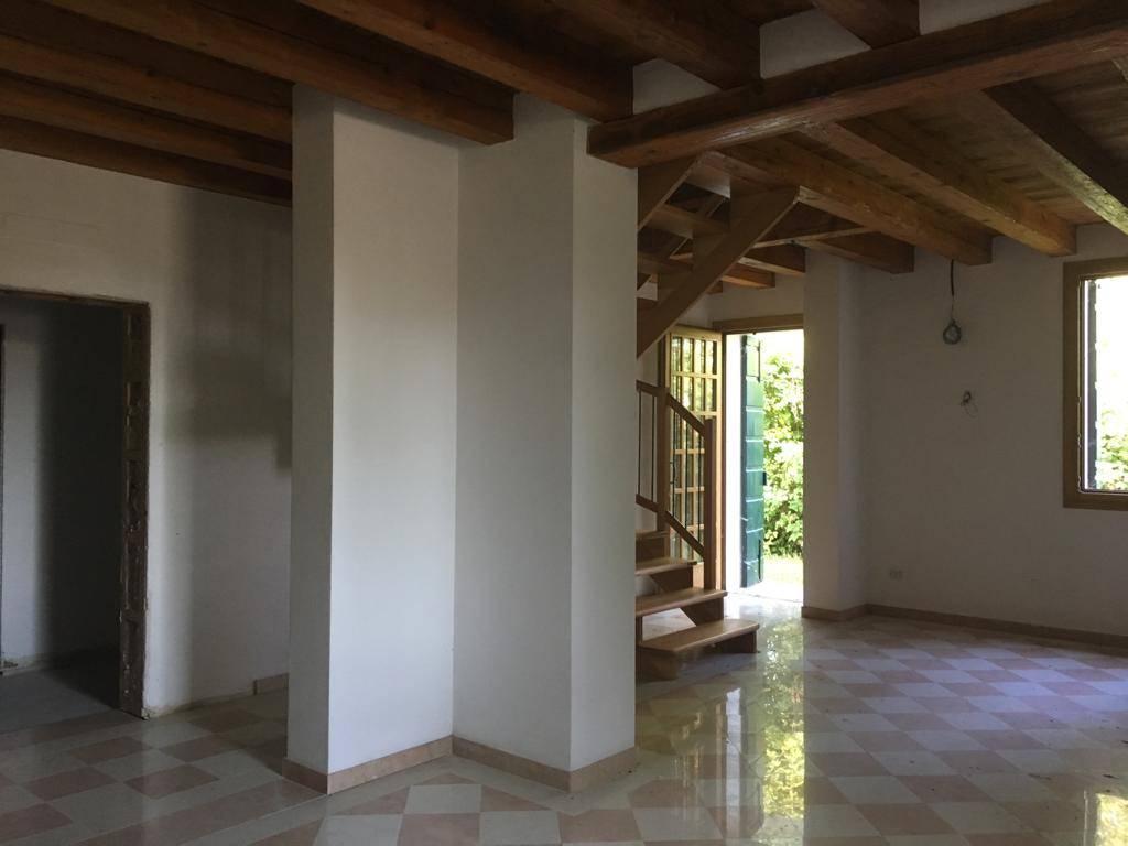 4.B.2.T.94 Villa bifamiliare GRASPO DUVA